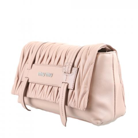 c80a3f4442b1 ... Miu Miu Matelasse Cammeo Crossbody Bag - Dusty Pink. PrevNext